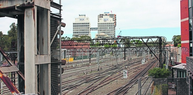 View from Cleveland Street along railway corridor (Photo: Geoff Turnbull)