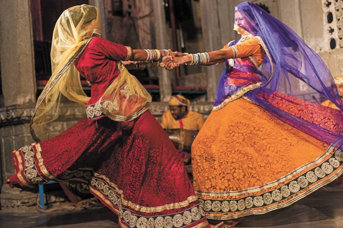 Women performing a raditional Rajasthani dance in Udaipur. Photo: Claire Mahjoub