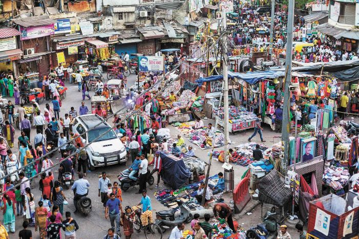 In Delhi, there are many markets for food, clothes, spices, jewels and fabrics. Photo: Claire Mahjoub