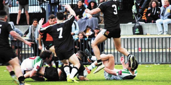 Rhys Haynes crashes over for the winning try Photo: Lyn Turnbull