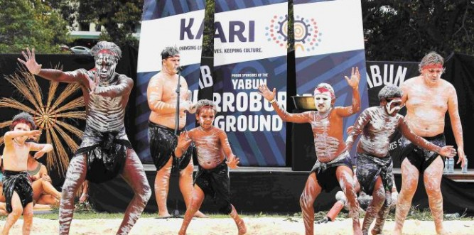 The Thikkabilla Vibrations Dance group from Dubbo perform at the Corroboree Ground, Yabun 2018. Photo: Lyn Turnbull
