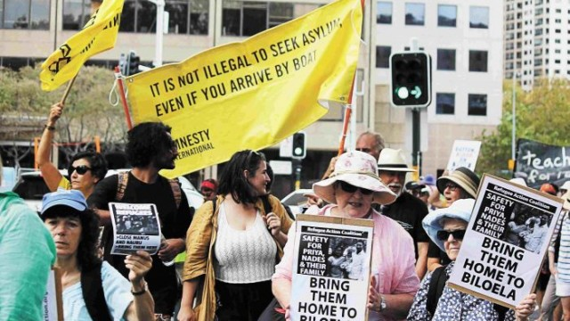 Joining the march: Amnesty International and the Refugee Action Coalition. Photo: Lyn Turnbull