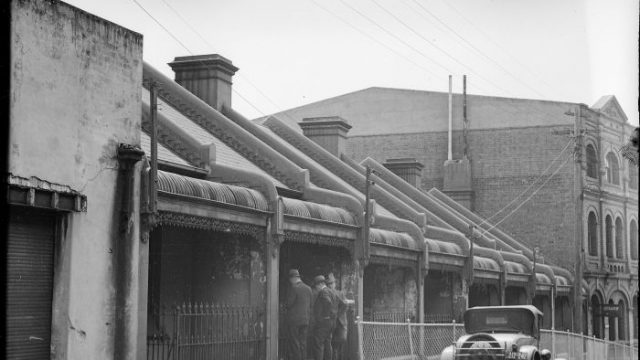 1-10 Knox Street Chippendale, c. 1930s. Photo: City of Sydney Archives